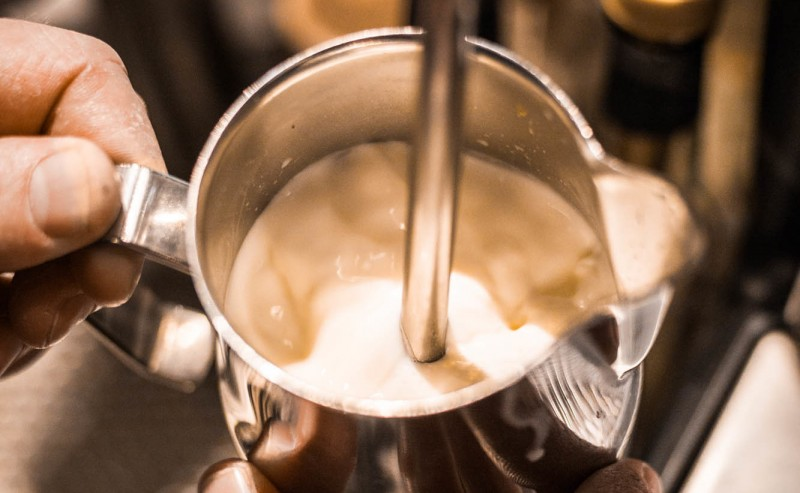 Rollphase beim Milchschäumen